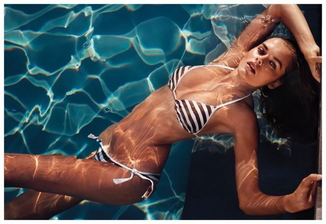 'Giải nhiệt' nắng hè với mẫu bikini 19 tuổi - ảnh 1