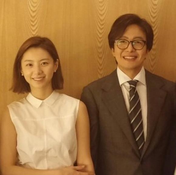Tài tử Bae Yong Joon chính thức 'rước nàng về dinh' - ảnh 1