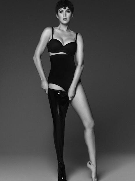 Katy Perry khoe dáng gợi cảm, cá tính - ảnh 2