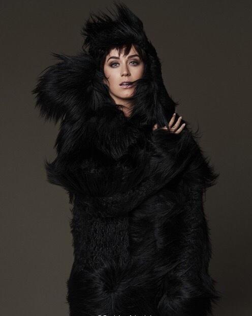 Katy Perry khoe dáng gợi cảm, cá tính - ảnh 9
