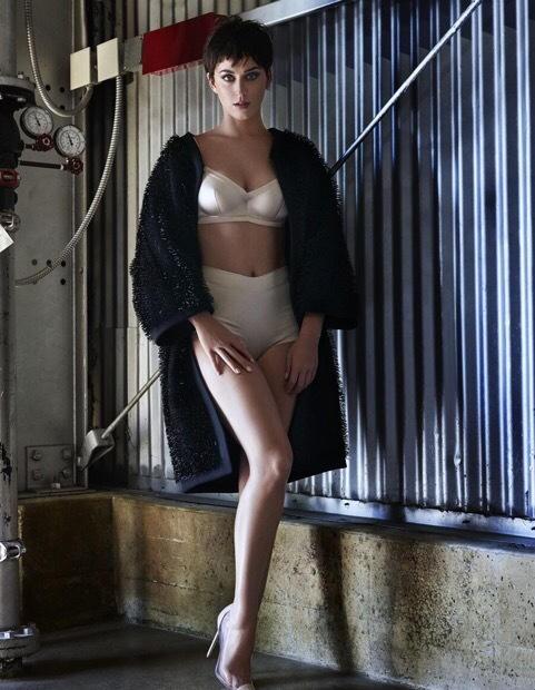 Katy Perry khoe dáng gợi cảm, cá tính - ảnh 3