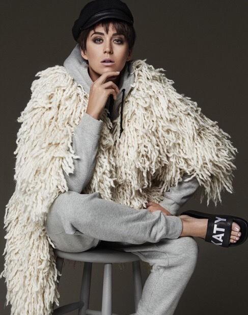 Katy Perry khoe dáng gợi cảm, cá tính - ảnh 7