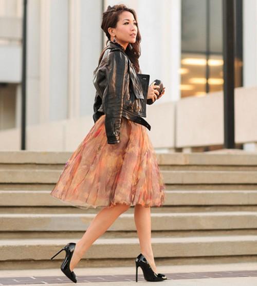 Quý cô gốc Việt cao 1m55 nhưng mặc đẹp như người mẫu 1m7 - ảnh 1