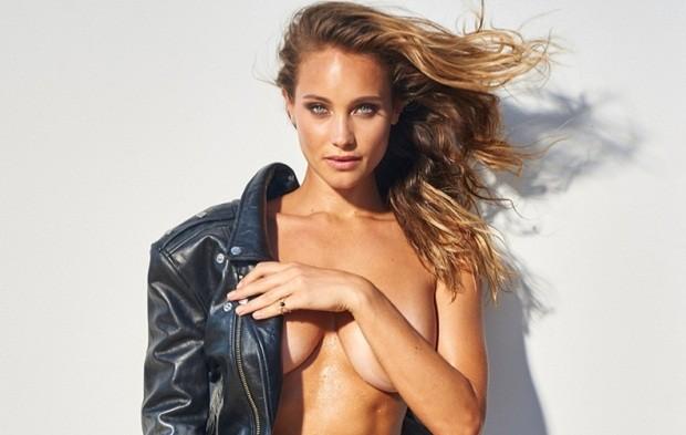 Hannah Davis bán nude với đường cong nóng bỏng  - ảnh 2