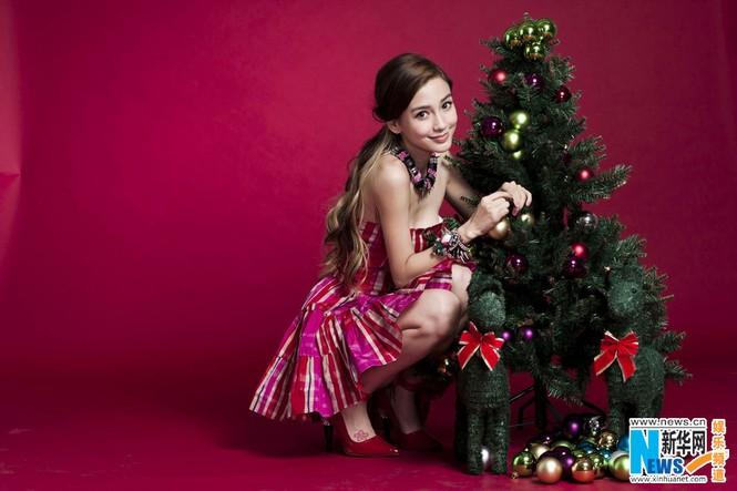 Angelababy xinh đẹp rạng rỡ mừng Giáng sinh - ảnh 9