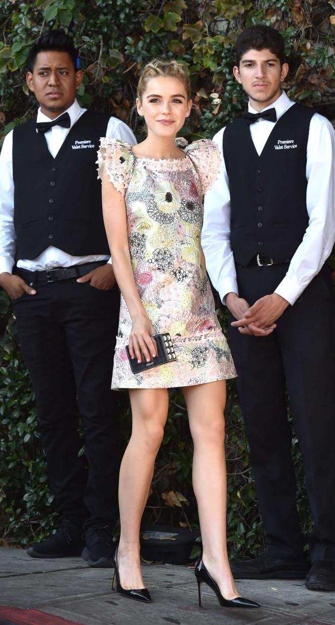 Gout thời trang 'nhìn là mê' của nữ diễn viên 16 tuổi - ảnh 9