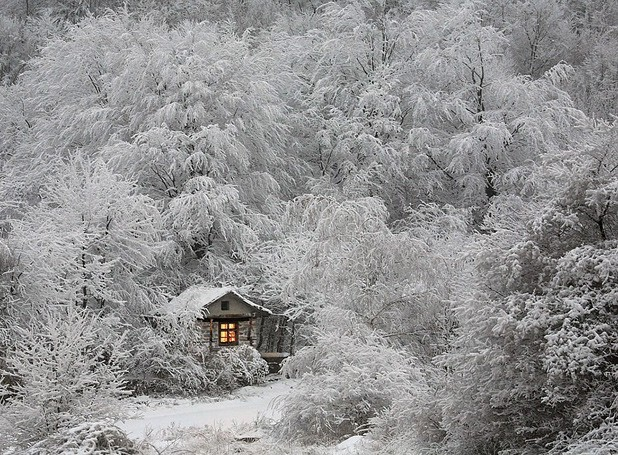 Những ngôi nhà phủ đầy tuyết trắng khắp thế giới - ảnh 10
