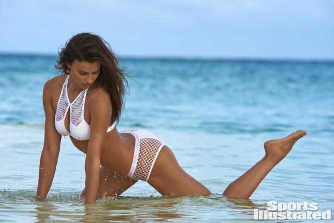 Irina Shayk: 10 năm làm mẫu cho tạp chí áo tắm Sports Illustrated - ảnh 1