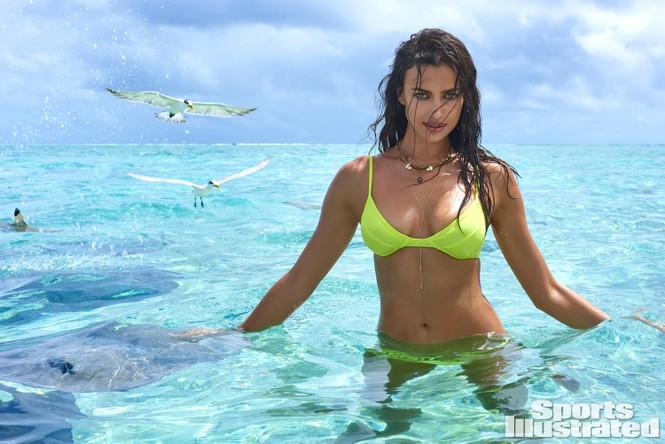 Irina Shayk: 10 năm làm mẫu cho tạp chí áo tắm Sports Illustrated - ảnh 2