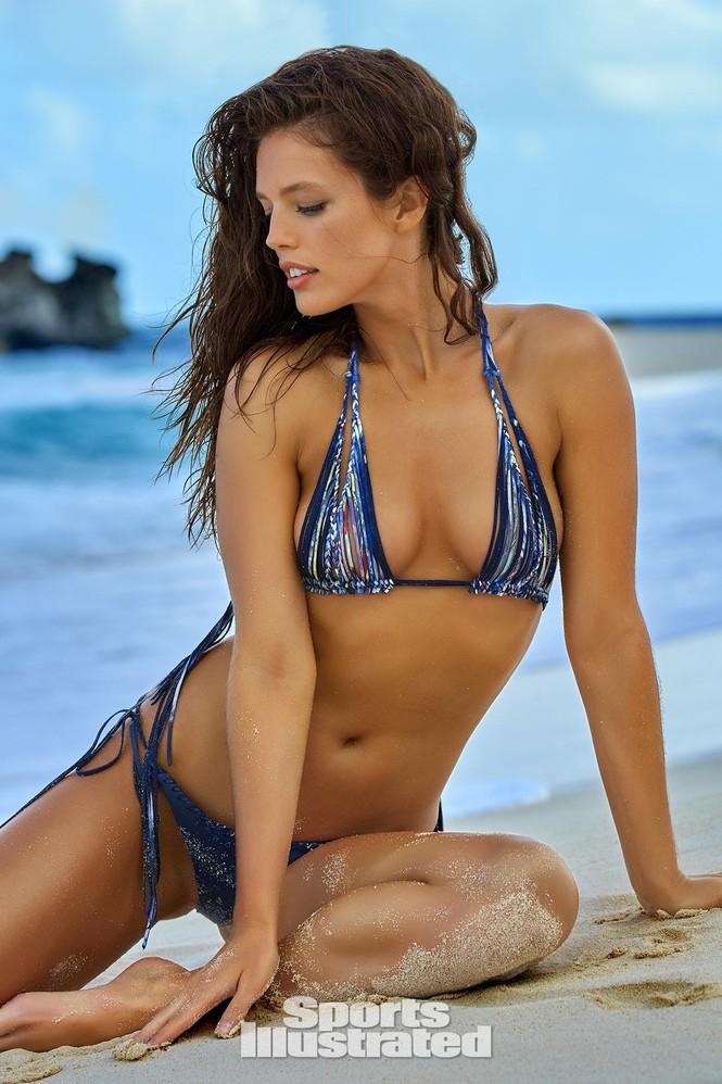 Mẫu bikini Emily DiDonato rạng ngời sắc vóc - ảnh 23