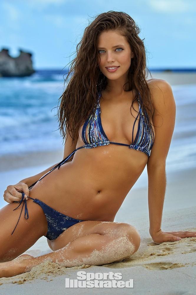 Mẫu bikini Emily DiDonato rạng ngời sắc vóc - ảnh 24