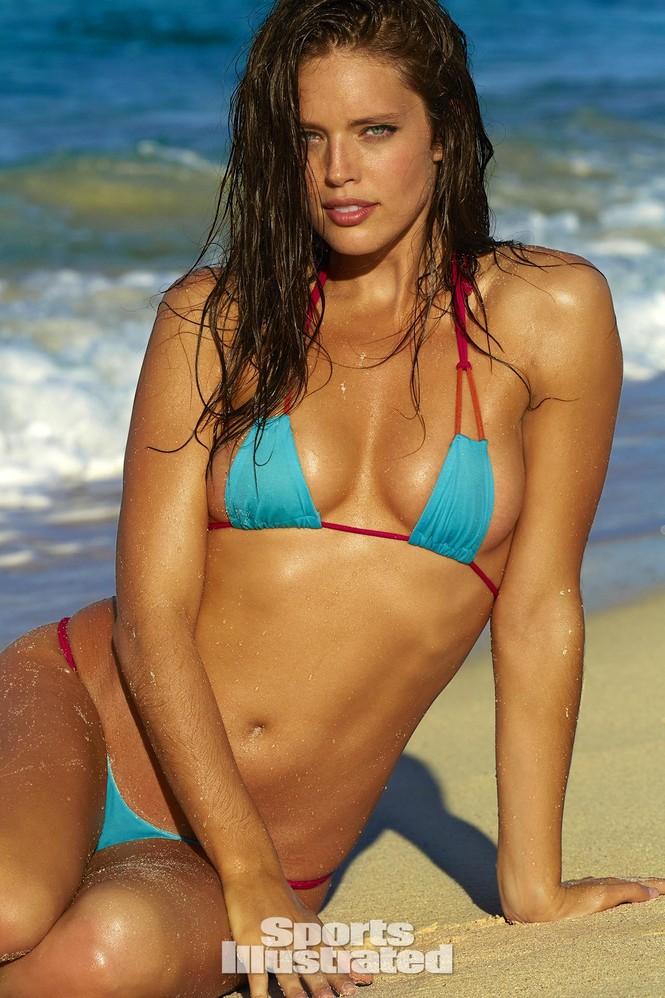 Mẫu bikini Emily DiDonato rạng ngời sắc vóc - ảnh 10