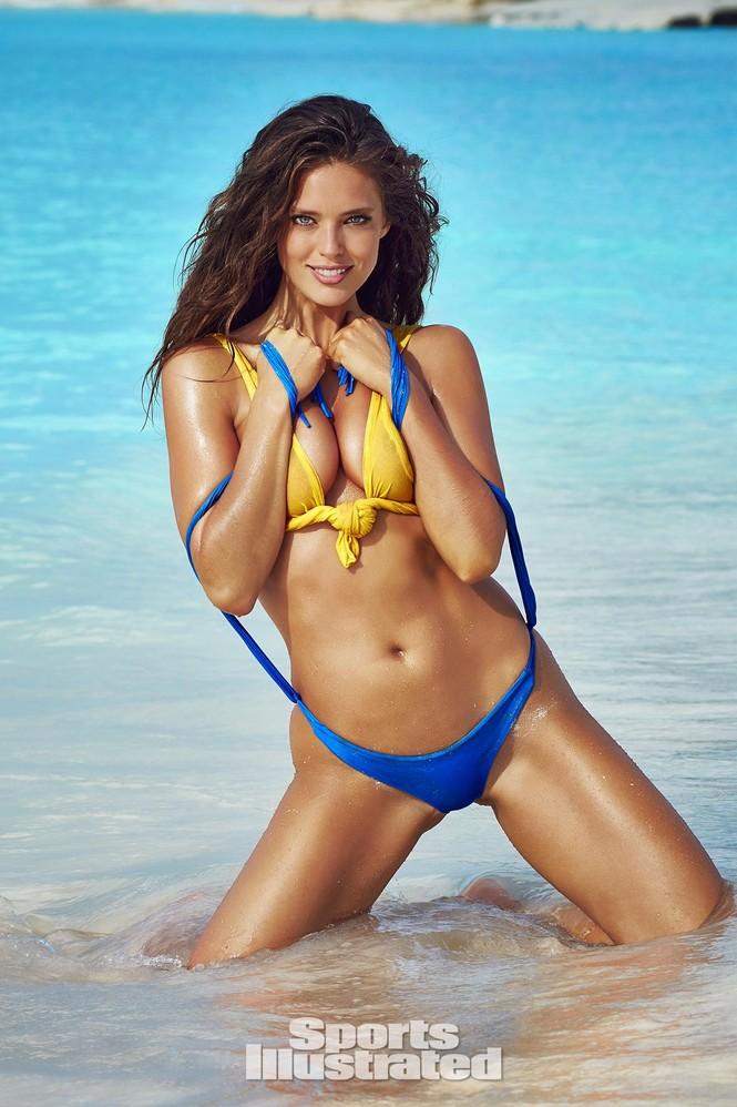 Mẫu bikini Emily DiDonato rạng ngời sắc vóc - ảnh 11