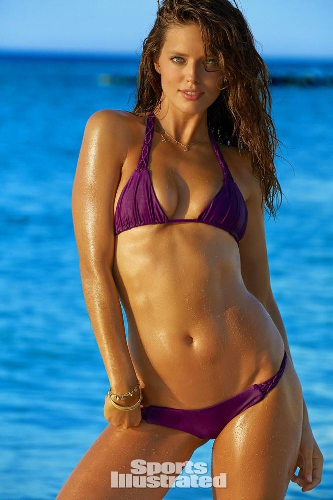 Mẫu bikini Emily DiDonato rạng ngời sắc vóc - ảnh 13