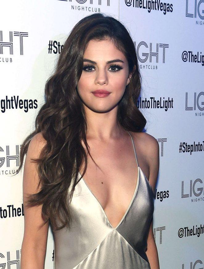 Ngất ngây ngắm Selena Gomez ngày càng quyến rũ - ảnh 10
