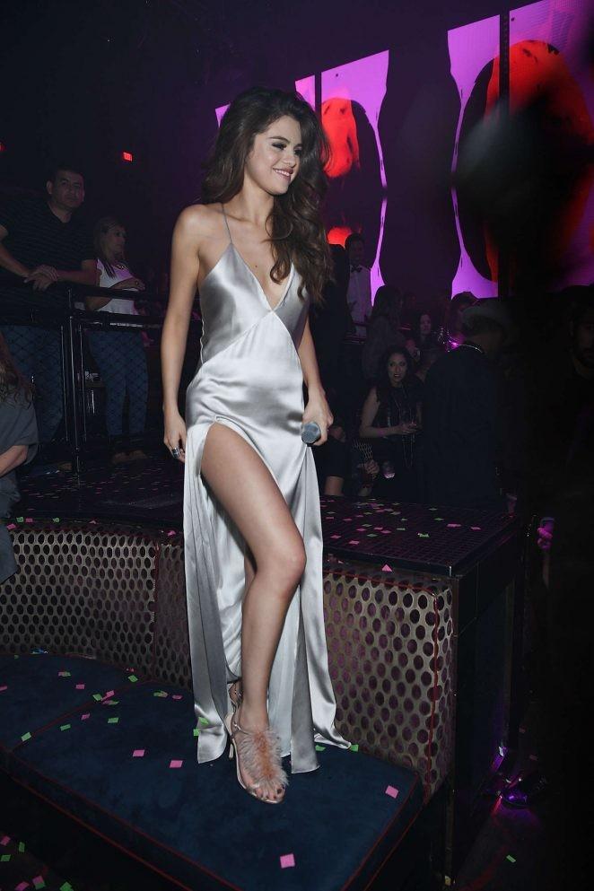 Ngất ngây ngắm Selena Gomez ngày càng quyến rũ - ảnh 11