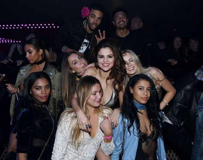 Ngất ngây ngắm Selena Gomez ngày càng quyến rũ - ảnh 13