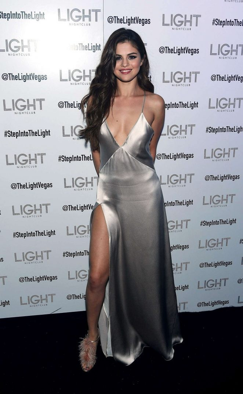 Ngất ngây ngắm Selena Gomez ngày càng quyến rũ - ảnh 12
