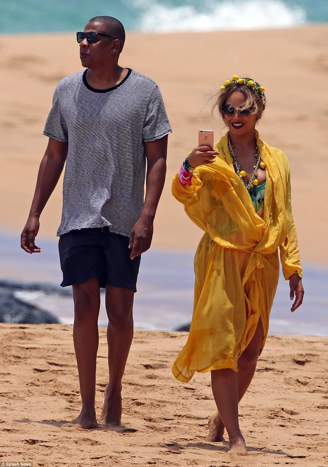 Vợ chồng Beyonce ngọt ngào tình tứ ở Hawaii - ảnh 6