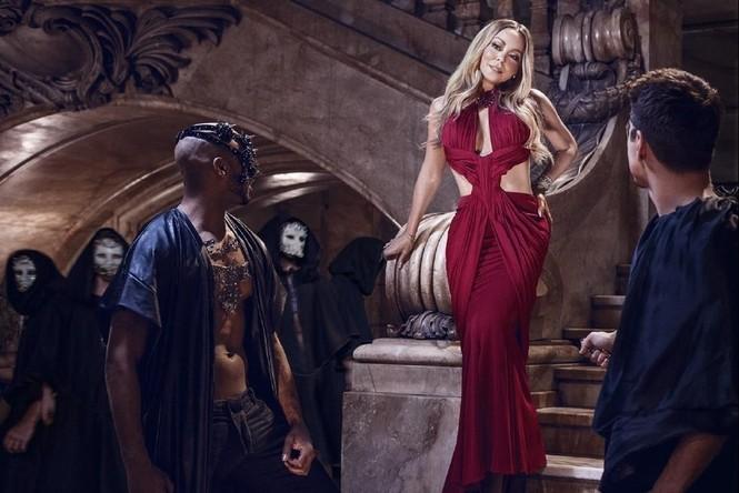 Diva Mariah Carey 46 tuổi vẫn quá trẻ trung gợi cảm - ảnh 2