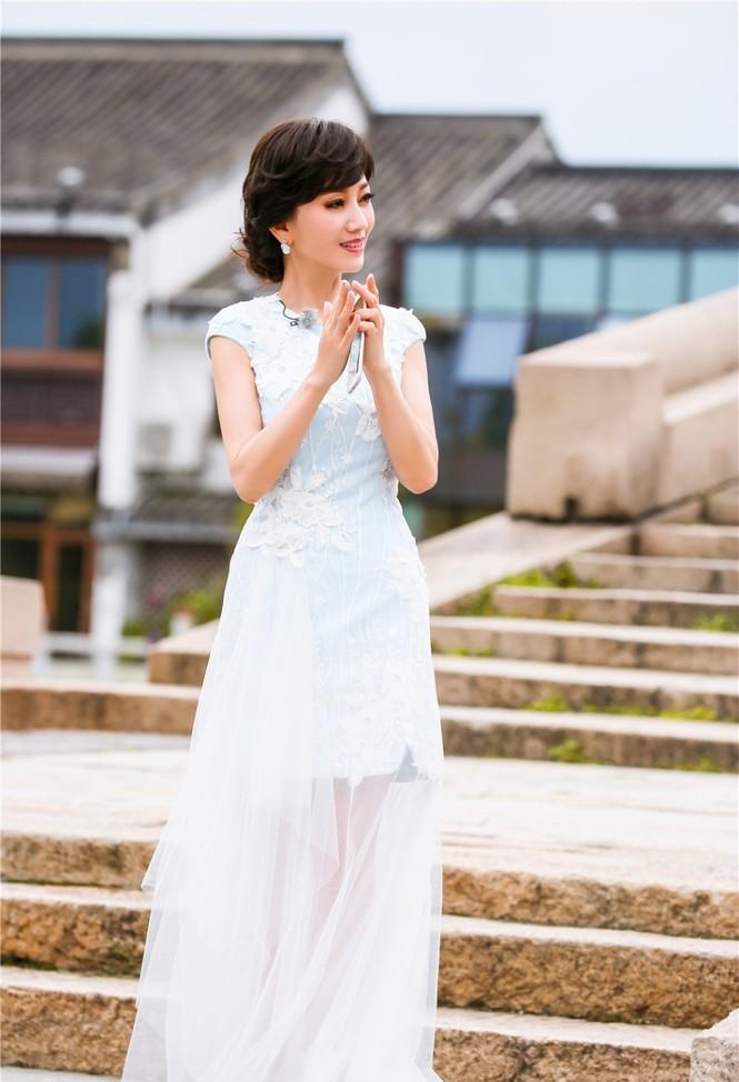 Nhan sắc trẻ ngỡ ngàng của Lưu Gia Linh và người đẹp 'Bến Thượng Hải' - ảnh 4