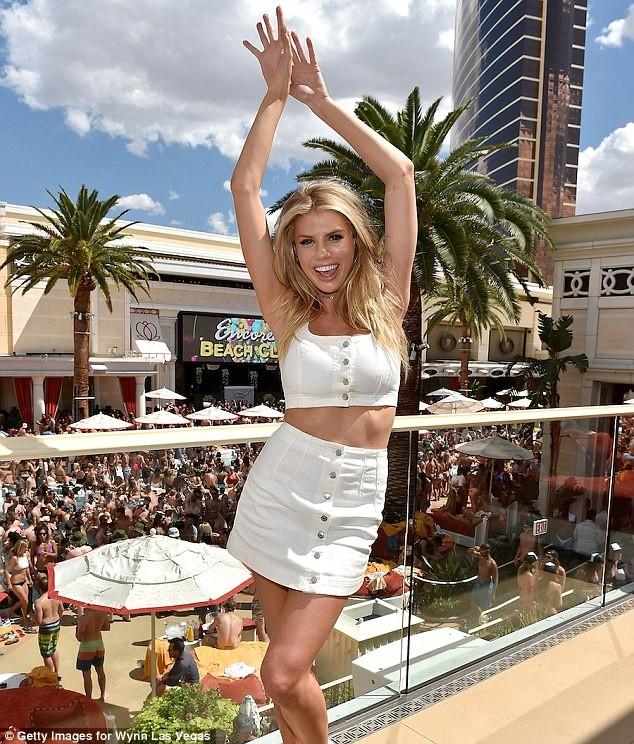 Mỹ nhân gợi tình Charlotte McKinney rạng rỡ đón sinh nhật ở Las Vegas - ảnh 4