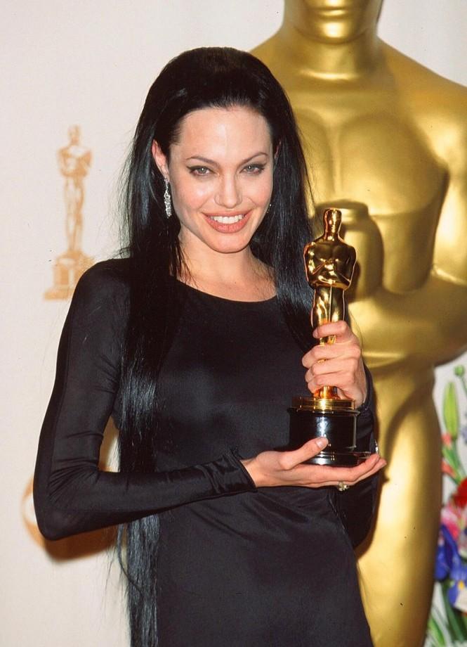 Angelina Jolie,Brad Pitt, La Vie en Rose, Hollywood - ảnh 2