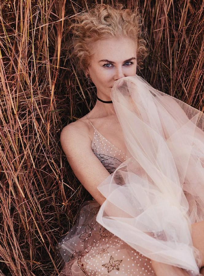 người đẹp,trang phục,vẻ đẹp,quyến rũ,phong cách,tạp chí,Vogue,gợi cảm, Nicole Kidman, Tom Cruise - ảnh 4