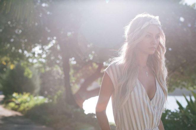 người mẫu,người đẹp,vẻ đẹp,váy,tạp chí,hãng thời trang,bikini,chiều cao, Bryana Holly - ảnh 11