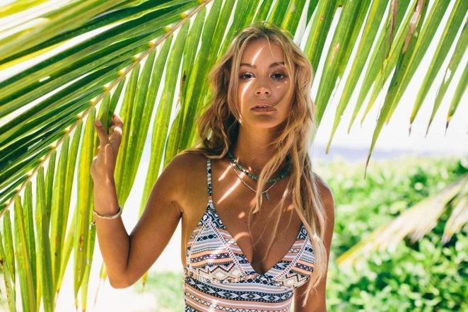 người mẫu,người đẹp,vẻ đẹp,váy,tạp chí,hãng thời trang,bikini,chiều cao, Bryana Holly - ảnh 4