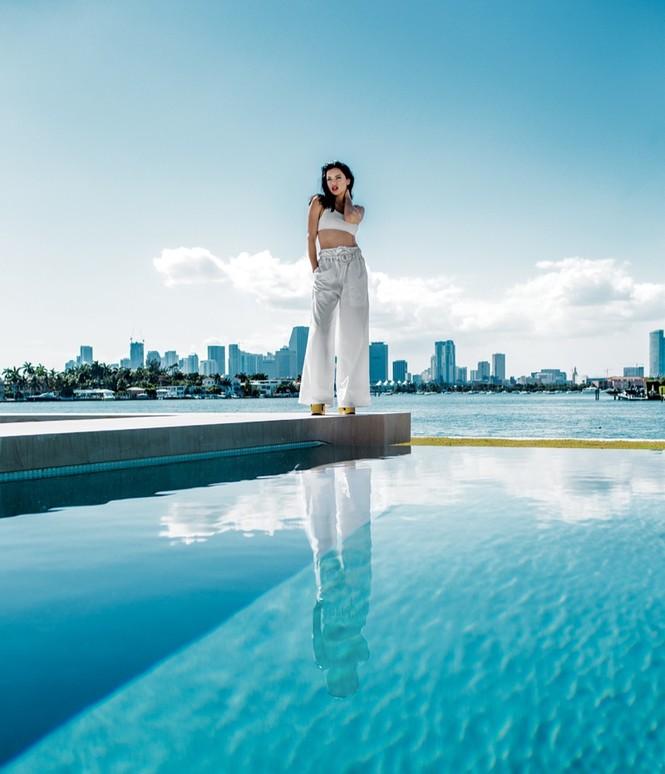 Adriana Lima muốn diễn nội y cho Victoria's Secret đến năm 40 tuổi - ảnh 7