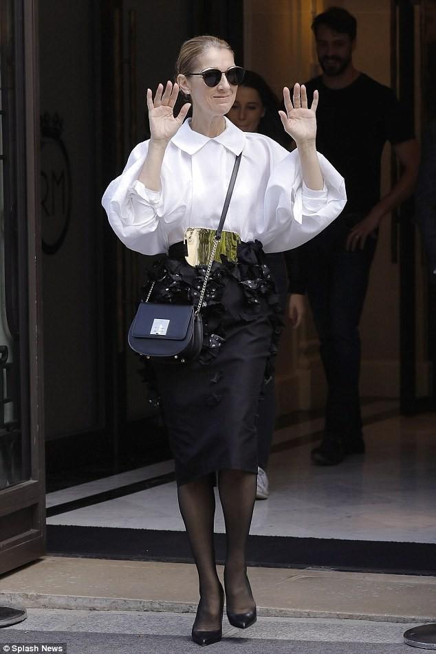 Celine Dion sành điệu với váy lấy cảm hứng từ nội y - ảnh 7