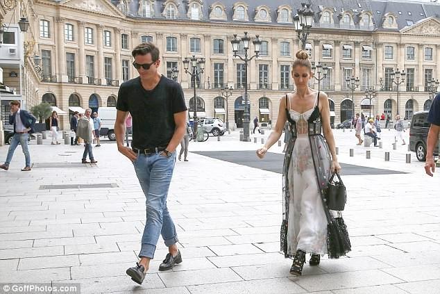 Celine Dion sành điệu với váy lấy cảm hứng từ nội y - ảnh 3