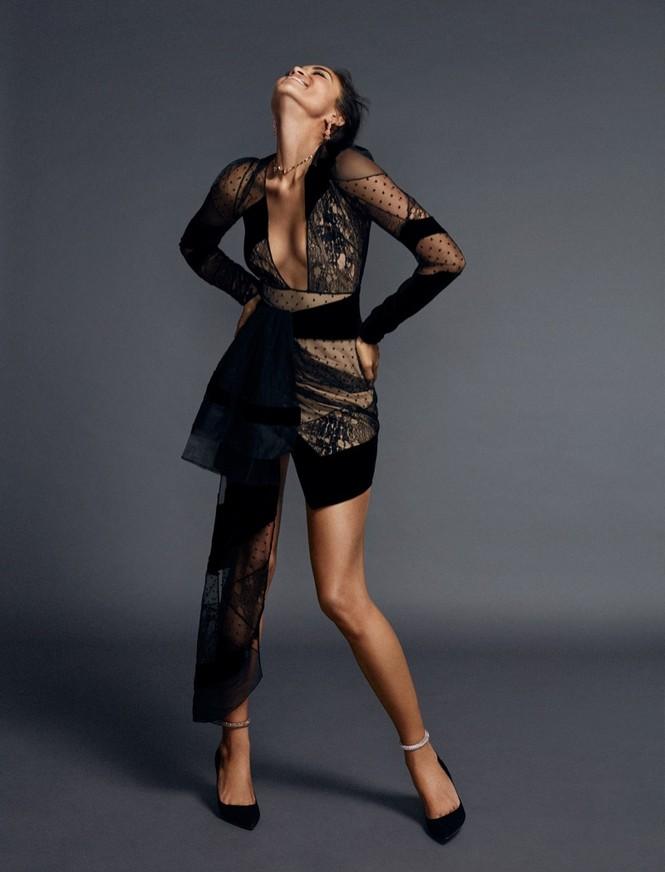 Sắc vóc gợi cảm không tì vết của nàng mẫu lai Shanina Shaik - ảnh 5