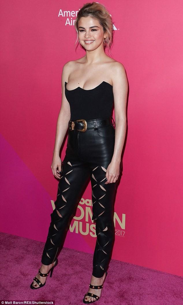 Nhận giải 'Phụ nữ của năm', Selena bật khóc cảm ơn cô bạn ghép thận - ảnh 10