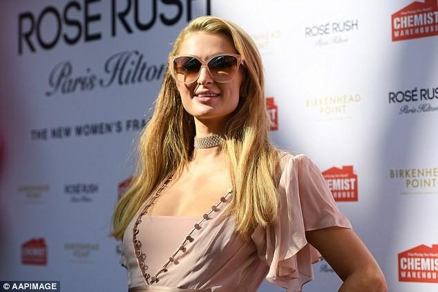 'Cô nàng tiệc tùng' Paris Hilton U40 trẻ trung quyến rũ bất ngờ - ảnh 16