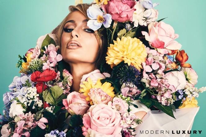 'Cô nàng tiệc tùng' Paris Hilton U40 trẻ trung quyến rũ bất ngờ - ảnh 1
