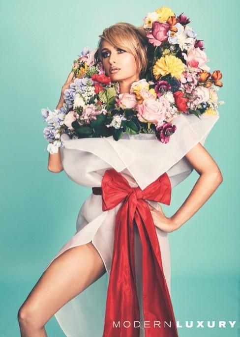 'Cô nàng tiệc tùng' Paris Hilton U40 trẻ trung quyến rũ bất ngờ - ảnh 2