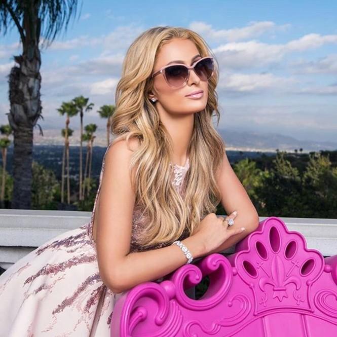 'Cô nàng tiệc tùng' Paris Hilton U40 trẻ trung quyến rũ bất ngờ - ảnh 8