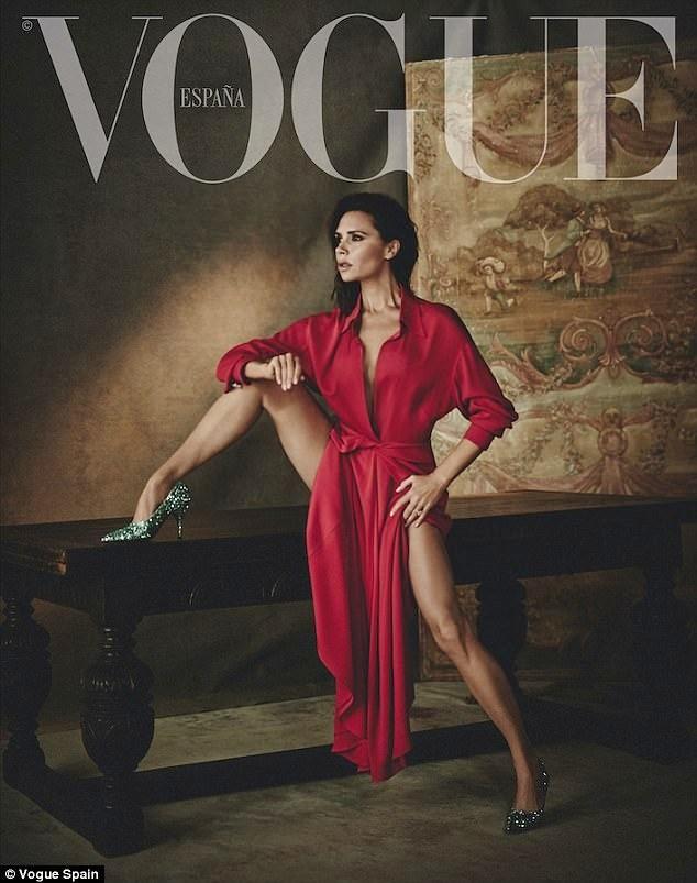 Victoria Beckham mặc gợi cảm khoe chân thon dáng chuẩn - ảnh 2