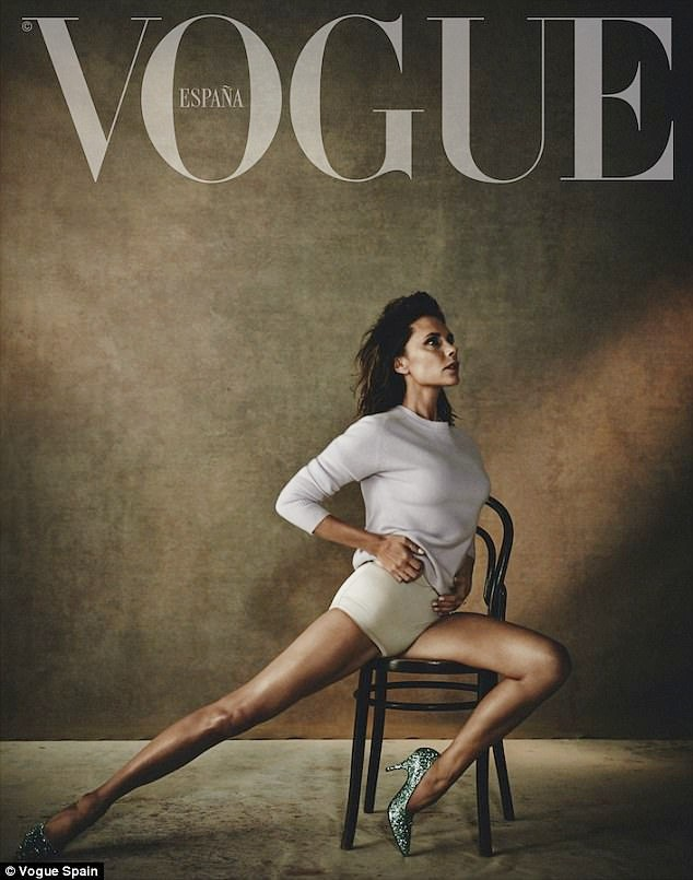 Victoria Beckham mặc gợi cảm khoe chân thon dáng chuẩn - ảnh 3