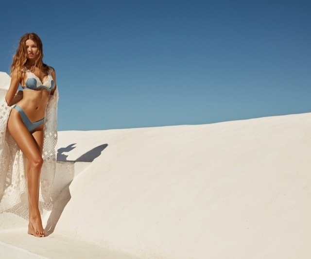 Magdalena Frackowiak bikini Santorini - ảnh 6