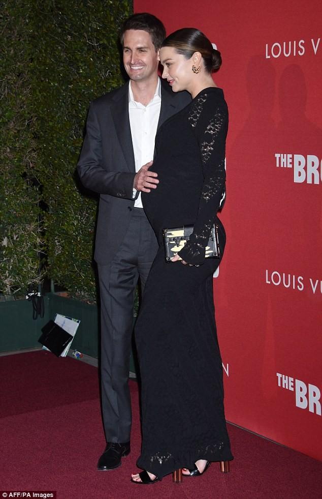 Miranda Kerr tình tứ chồng trẻ tỉ phú - ảnh 3