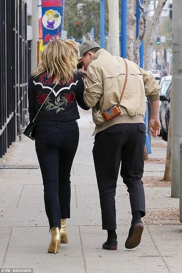 Brooklyn Beckham, Harper Beckham - ảnh 4