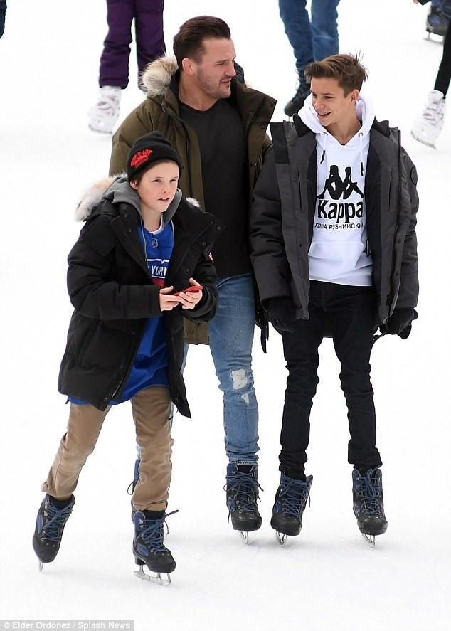 Brooklyn Beckham, Harper Beckham - ảnh 13
