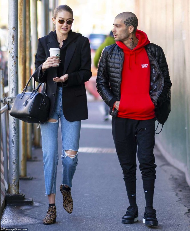 Gigi Hadid hôn Zayn Malik - ảnh 11