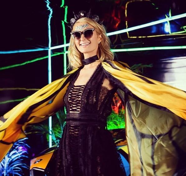Cô nàng thừa kế Paris Hilton hé lộ ngày cưới - ảnh 12