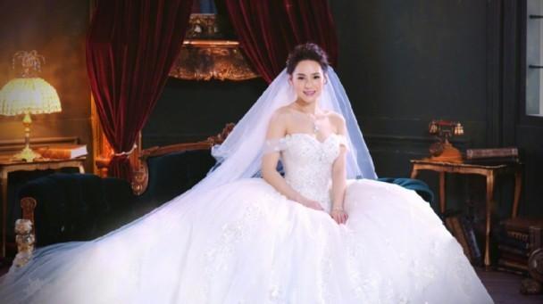 đám cưới Chung Hân Đồng sau 10 scandal ảnh nóng - ảnh 2
