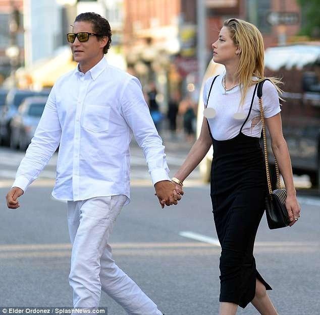Táo bạo bỏ nội y, vợ cũ Johnny Depp tay trong tay tình cũ Heidi Klum - ảnh 6