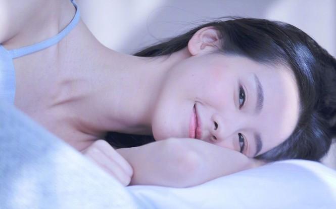 Nhan sắc mong manh trong veo của nữ sinh hàng không 9x xứ Trung - ảnh 2